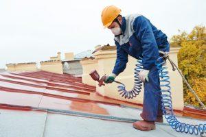 Peinture de toit à La-Roque-sur-Pernes