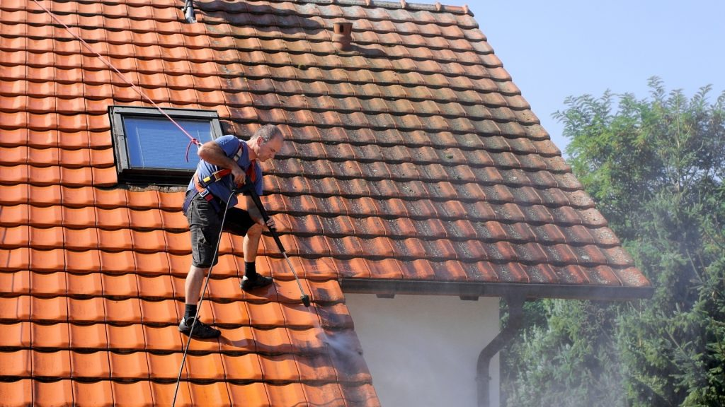 Nettoyage et démoussage toiture Vaucluse